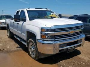 PARTING OUT A 2012 CHEVY SILVERADO 2500 6.6L 6.6 ENGINE TRANSMISSION PARTS for Sale in Long Beach, CA