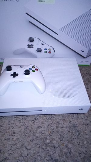 Xbox one s $160$ pick up only will not bring for Sale in Pflugerville, TX