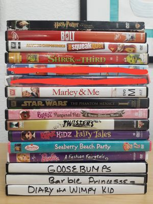 14 Kids Movies/DVDS Chipmunks Bolt for Sale in San Jacinto, CA