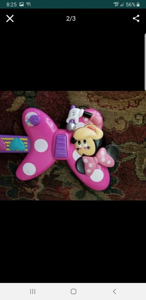 Minnie mouse guitar works great it has batteries.. for Sale in Alhambra, CA