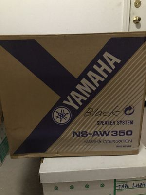 Outdoor Speakers Yamaha ( includes 2 ) for Sale in Carlsbad, CA