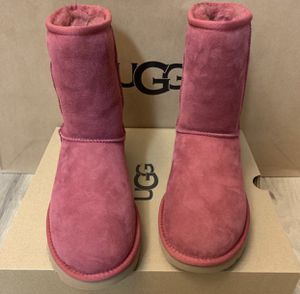 100% Authentic Brand New in Box UGG Classic Short Boots / Women size 8 / Color: GAR Red for Sale in Walnut Creek, CA