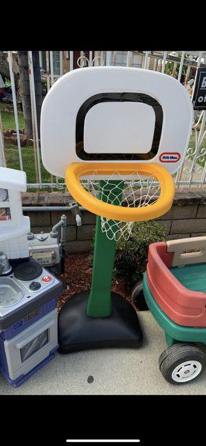 Basketball court hoop$15 for Sale in El Monte, CA