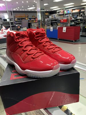 New nike air Jordan 11s size 13 box included for Sale in Orlando, FL