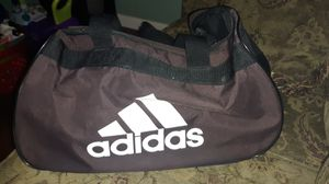 Adidas duffle bag for Sale in Los Angeles, CA