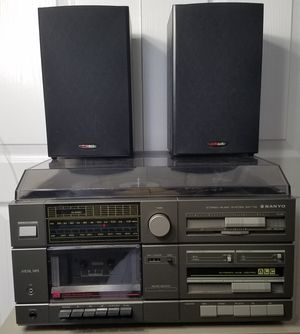 Sanyo GXT110 AM/FM Stereo Cassette and Record Player with Polk Audio Speakers for Sale in Wimauma, FL