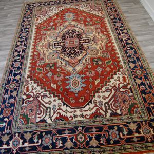 6x9 Hand knotted Persian Serapi rug for Sale in Canby, OR