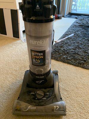 Eureka vacuum for Sale in Fort Lauderdale, FL