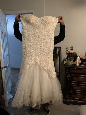 Plus size Juliet wedding dress with cape for Sale in Phoenix, AZ