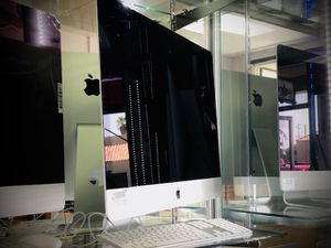 """No Credit Needed!! 2015 27"""" imac 5k 32gb ram, 1tb ssd. same day shipping. for Sale in Fletcher, NC"""