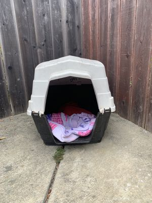 Dog house for Sale in Vallejo, CA