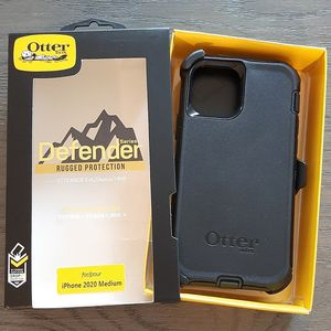 iPhone 12 /iPhone 12 Pro Otterbox Defender Series Case with belt clip holster for Sale in Canyon Country, CA