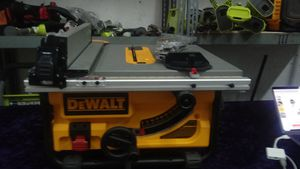 DEWALT. Table Saw . 15 amp. 10 inch . con pro moduled guarding system for Sale in Irving, TX