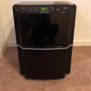 LG LD651EBL 65 Pint Dehumidifier for Sale in Beltsville, MD
