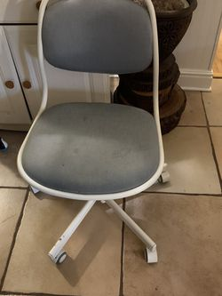 FREE! Free Computer Chair! PICK UP ONLY! for Sale in Portland,  OR
