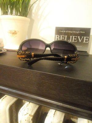 Fendi women's sunglasses for Sale in Yonkers, NY