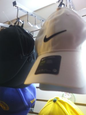 Nike hats adjustable for Sale in Oakland, CA