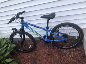 Schwinn trasher bike size 24 for Sale in Danbury, CT