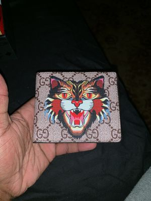 Gucci wallet for Sale in Columbus, OH