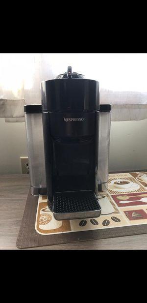 Nespresso coffee maker for Sale in Saginaw, MI