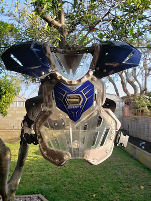 Adult chest protector for Sale in Cerritos, CA