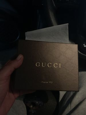 Gucci Men's Wallet 100% Authentic for Sale in West Hollywood, CA