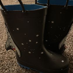 Carter's Toddler 8 Rain Boots for Sale in Anaheim,  CA