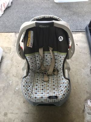 Graco car seat. Base included for Sale in Glenshaw, PA