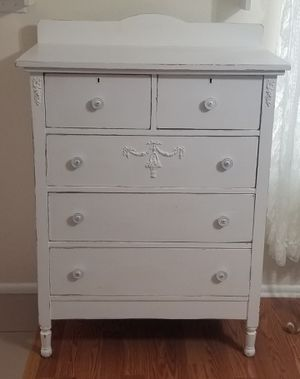 Darling shabby chic vintage dresser!!! for Sale in Phoenix, AZ