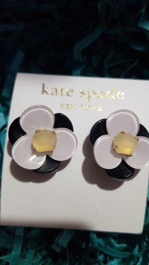 Kate spade flower earrings for Sale in Pasadena, TX
