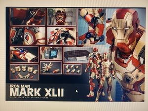 Hot toys 1/4 iron man 3 mark 42 XLII QS007 for Sale in Brooklyn, NY