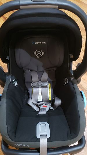 Uppababy Infant car seat for Sale in Owasso, OK