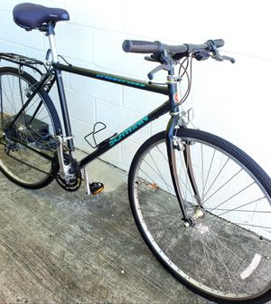 700c Large frame SCHWINN CRISSCROSS road hybrid bike great condition ready to ride. for Sale in Tampa, FL
