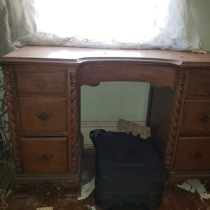 Desk for Sale in Kirklyn, PA