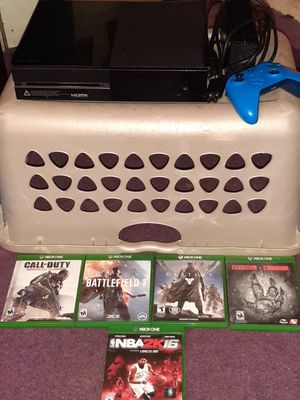 Xbox one 1tb bundle for Sale in Wallingford, CT