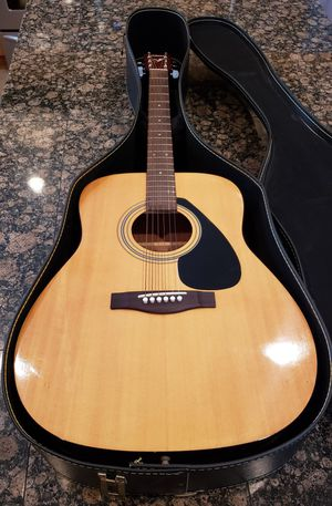 Yamaha F-310 Acoustic Guitar with Steel Strings & Case for Sale in OR, US