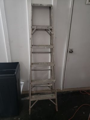Ladder 6ft for Sale in Phoenix, AZ