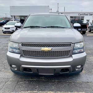 2008 Chevy Suburban LS 4X4 Clean for Sale in Parma, OH