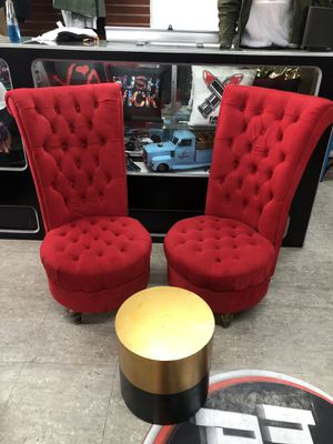 Beautiful red matching chairs and gold and black center table for Sale in Queens, NY