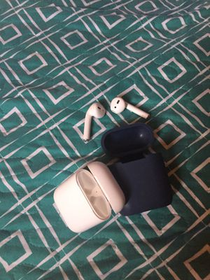 Brand New Used apple Air pods everything in picture included Kept in Case for Sale in Miami, FL