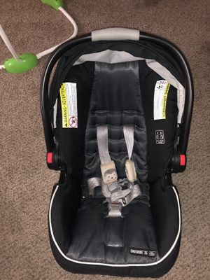 Graco Snugride 35 car seat and base for Sale in Houston, TX