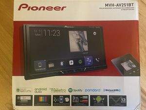 Pioneer Car Stereo System- Digital MultiMedia Video Receiver for Sale in Bothell, WA