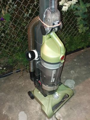 Vacuum upright bagless Hoover windtunnel model U70120 for Sale in River Forest, IL