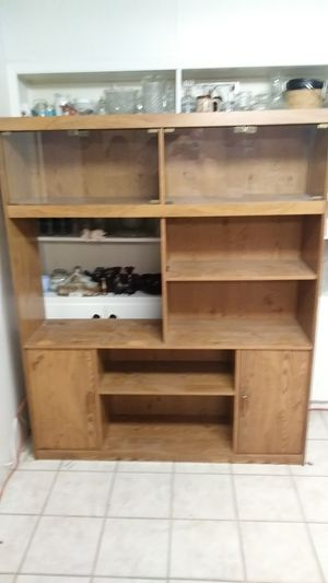 Display Case/Entertainment Center w/ Glass Doors for Sale in Alexandria, LA