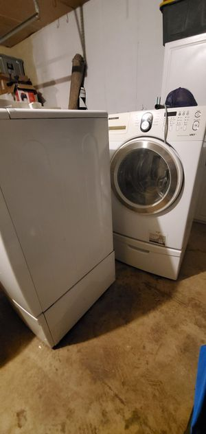 Samsung front load washer and dryer for Sale in Vista, CA