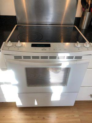 Beautiful White Slidein Kitchenaid Oven for Sale in Burtonsville, MD