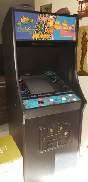 Arcade game console. Classic 80s games. See pics for games. for Sale in Davie, FL