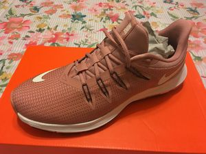 New Authentic Women's Nike Running Size 8.5 for Sale in Lakewood, CA