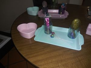 Makeup tray , heart holder,two makeup holders , lip gloss , and brush for Sale in San Antonio, TX