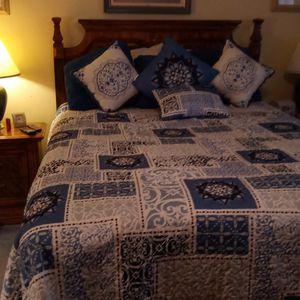 Queen Size Bedroom Set for Sale in Brandon, FL